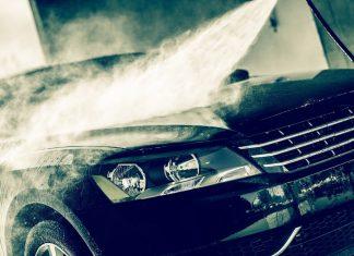 ล้างสิ่งสกปรกออกจากสีรถ
